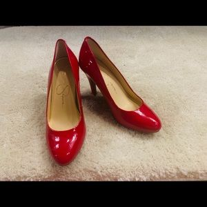 Brand new Jessica Simpson pumps. Size 6.